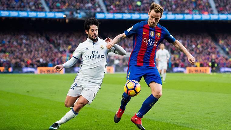 Ivan Rakitic, en el FC Barcelona-Real Madrid de este curso