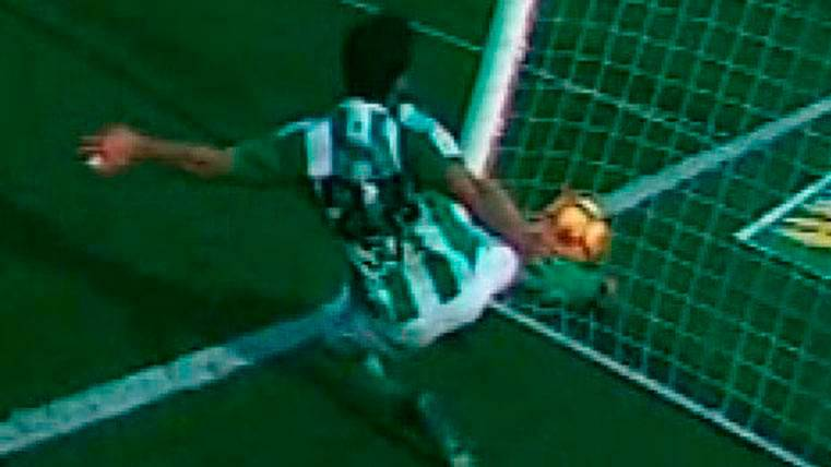 Este es el gol del Barça al Betis que Hernández Hernández no señaló