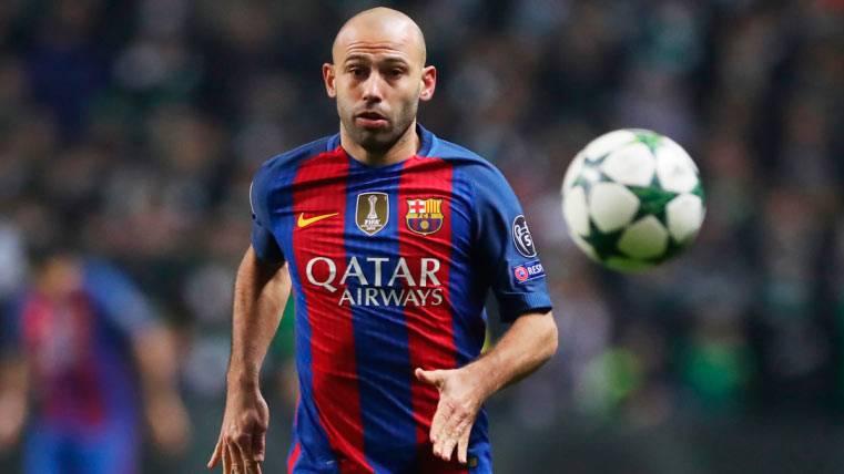 Mascherano no se irá del Barça y busca ganarse a la afición