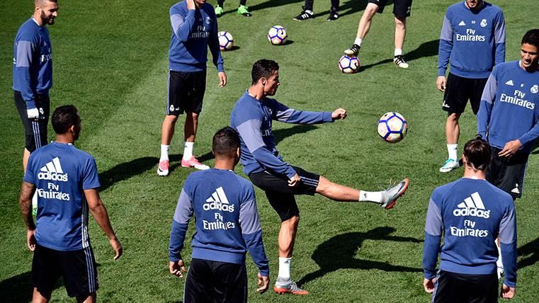 Una sorpresa y 4 ausencias del Madrid para recibir al Barça