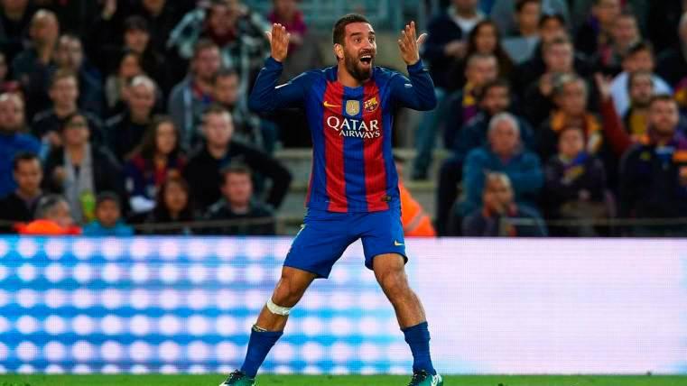Confianza en el Barça de que Arda Turan se marche