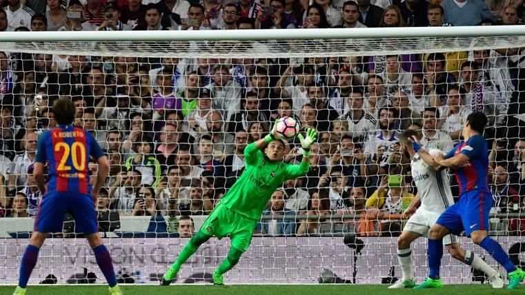 Keylor Navas evitó otro 2-6 del Barcelona en el Bernabéu