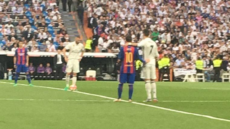 La escena de Cristiano y Messi que pasó desapercibida