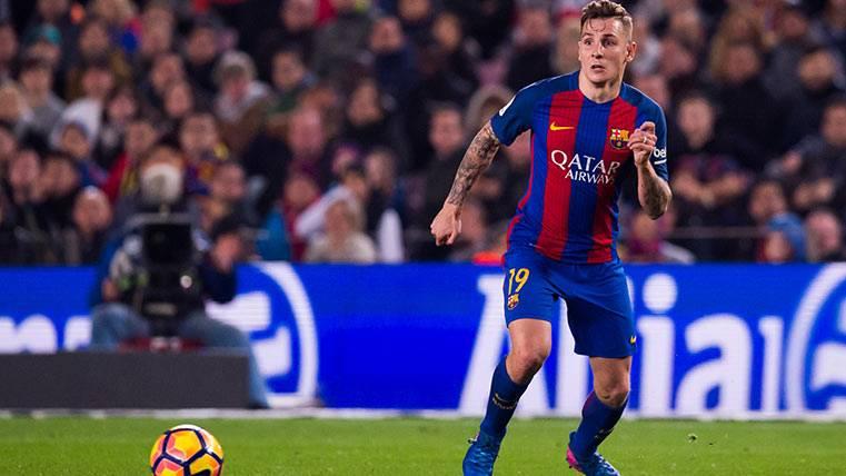 """""""Digne no piensa en otra cosa que seguir jugando en el Barça"""""""