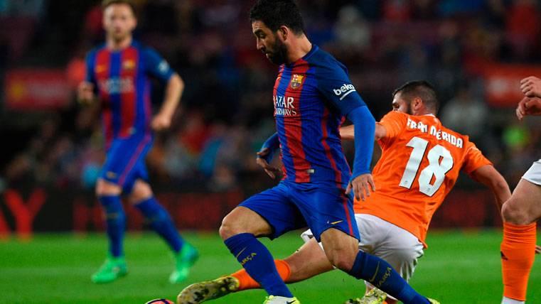 La voluntad de Arda Turan pasa por quedarse en el Barça