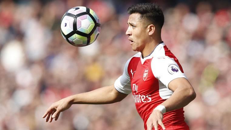 """Alexis, """"decepcionado"""" por la falta de potencial del Arsenal"""