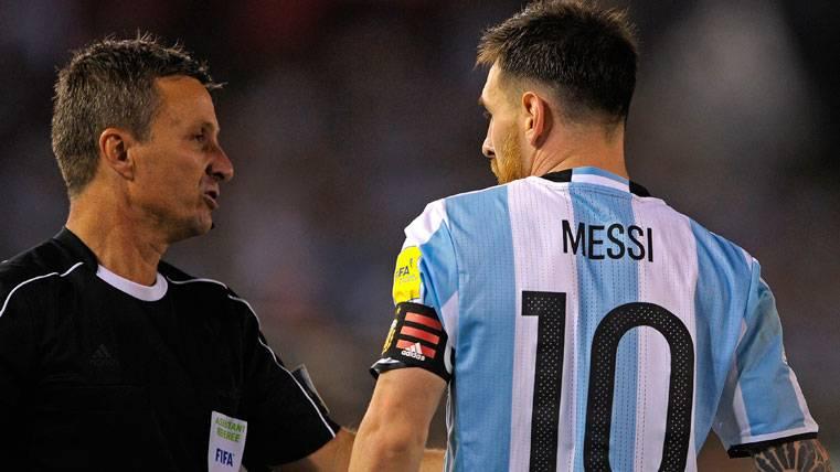 """¡Una letra """"salvó"""" a Messi de la sanción con Argentina!"""