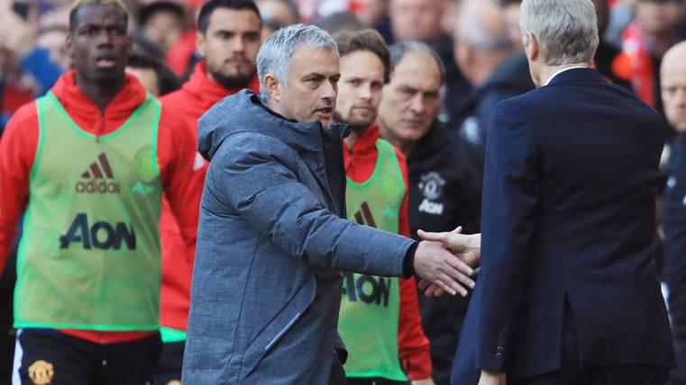 Ironía y rabieta de José Mourinho con la afición del Arsenal