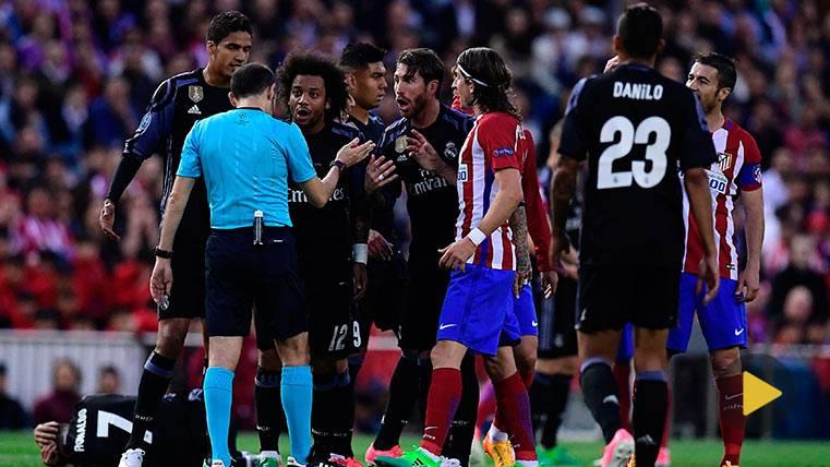 Sergio Ramos y Cristiano Ronaldo, durante el Atlético de Madrid-Real Madrid
