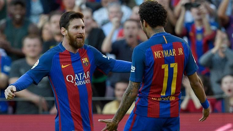 El humilde rol de Neymar Jr en el banquillo del FC Barcelona