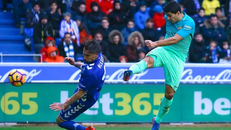 El Alavés se alegra de que Suárez no juegue la final de Copa