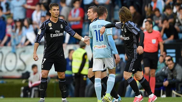 Robo a LaLiga: ¡Sergio Ramos hace penalti pero expulsan a Aspas!