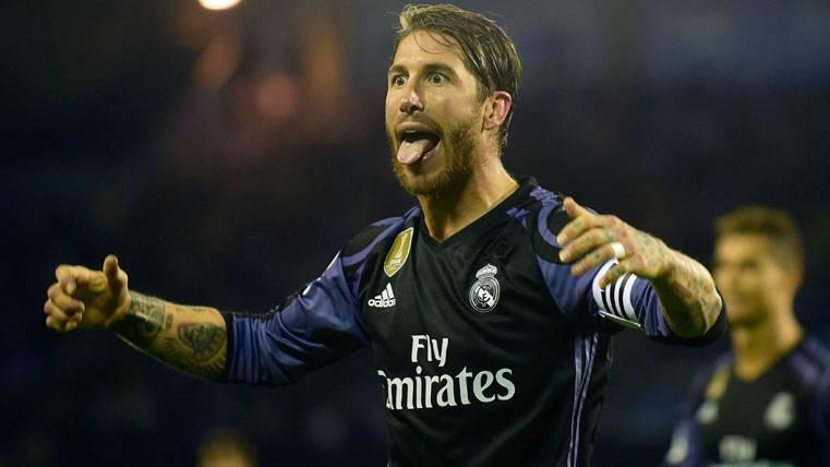 Sergio Ramos, celebrando con burla un gol del Real Madrid
