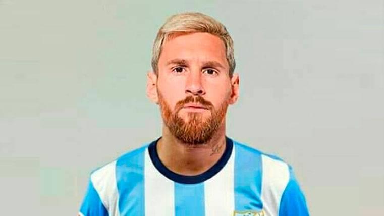 Leo Messi vestido con la equipación del Málaga para la última jornada de LaLiga
