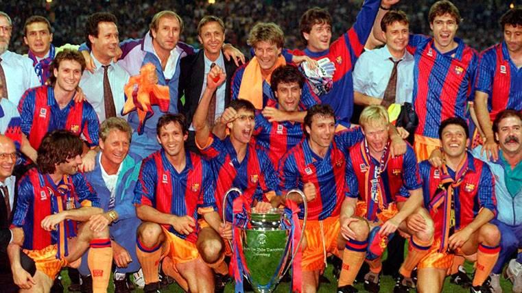Los jugadores del FC Barcelona, tras ganar la Copa de Europa de Wemble 92