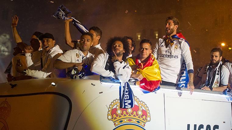 ¿Deberá actuar Antiviolencia por los insultos del Madrid a Piqué?