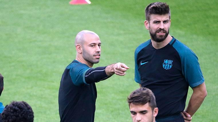 Optimismo en el Barça por Piqué y Mascherano ante el Alavés