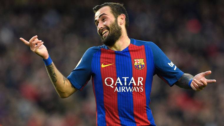 Aleix Vidal suena para el Milan, pero el Barça cuenta con él