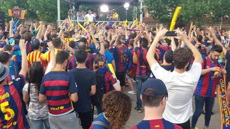 Fantástico ambiente en la Fan Zone de la final de Copa del Rey