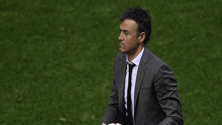 Luis Enrique, tercer técnico con más títulos