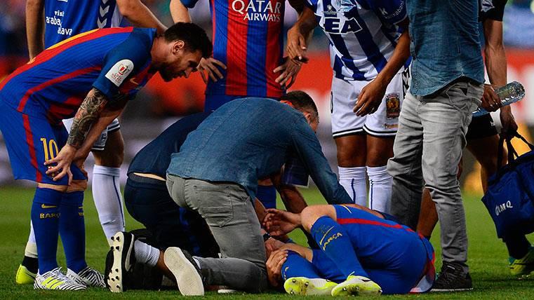 Mascherano probó la maldición del lateral diestro del Barça