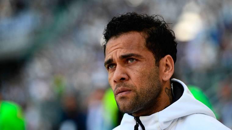 Dani Alves sabe muy bien cómo hacer daño al Real Madrid