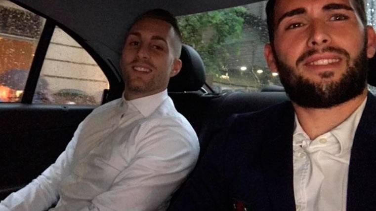 Reencuentro entre Aleix Vidal y Deulofeu con sabor a Barça