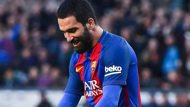 El agente de Turan insiste: no se marchará del Barça