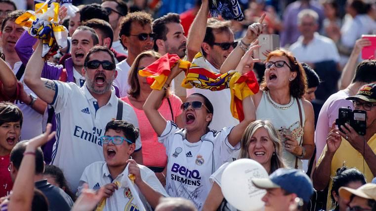 ¡La afición del Real Madrid vuelve a insultar a Gerard Piqué!