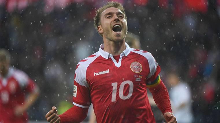 Christian Eriksen celebra un gol con la selección de Dinamarca