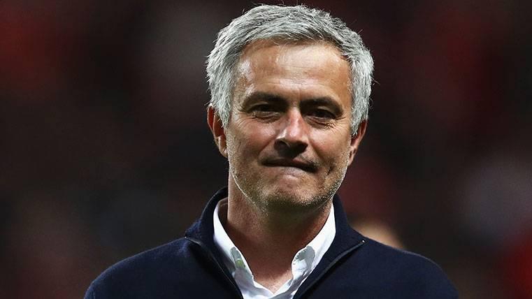 """Mourinho asegura ser """"pésimo"""" eligiendo sus nuevos equipos"""