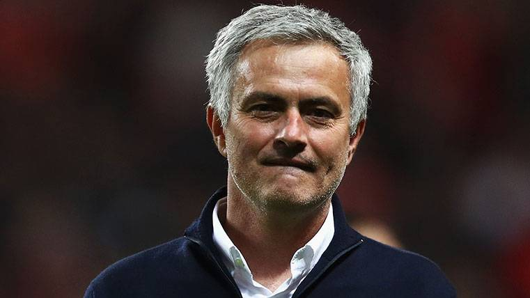 José Mourinho en la final de la UEFA Europa League 2016-17