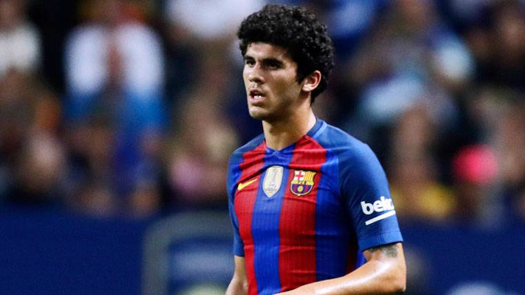 OFICIAL: Carles Aleñá renueva con el Barça 3 temporadas