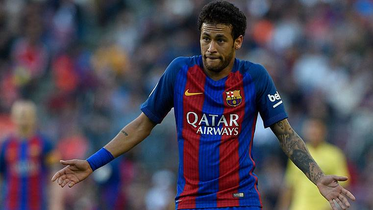 Neymar en una acción del Barça-Villarreal de LaLiga 2016-17
