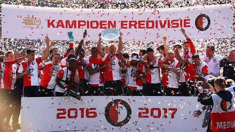 La Eredivisie, un ejemplo para las grandes ligas europeas