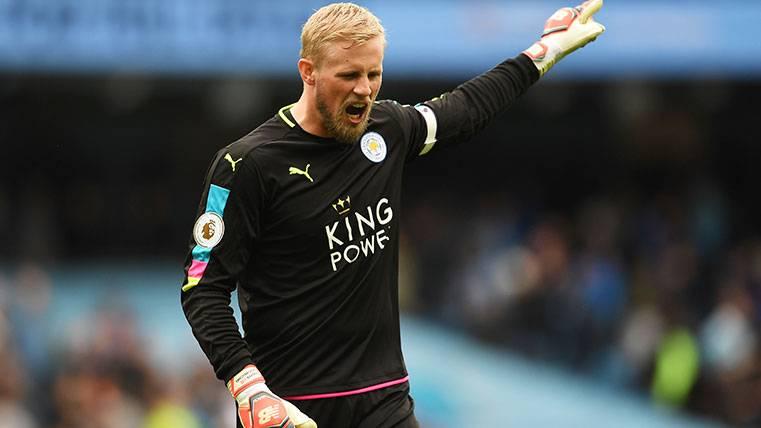El Leicester pone un precio de récord a Kasper Schmeichel