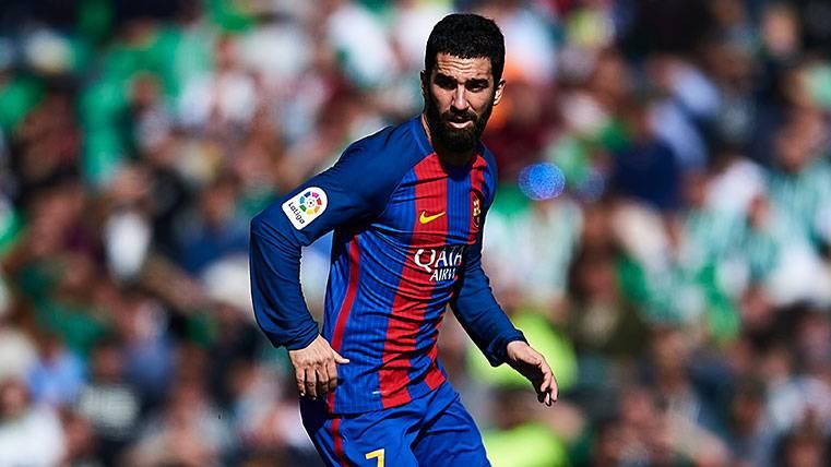 Arda Turan en un Betis-FC Barcelona de LaLiga 2016-17