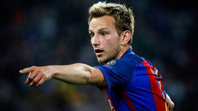 El Barça contacta con Rakitic para asegurarle su continuidad