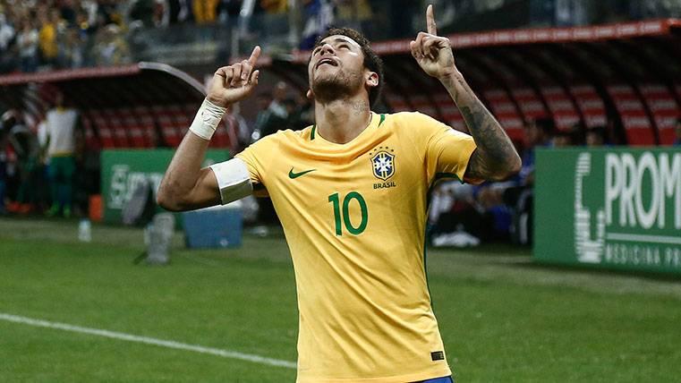 El Neymar más ambicioso y familiar habla en Brasil