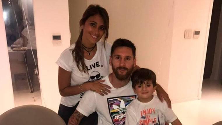 """El """"guiño"""" de Messi al Barça con su tarta de cumpleaños"""