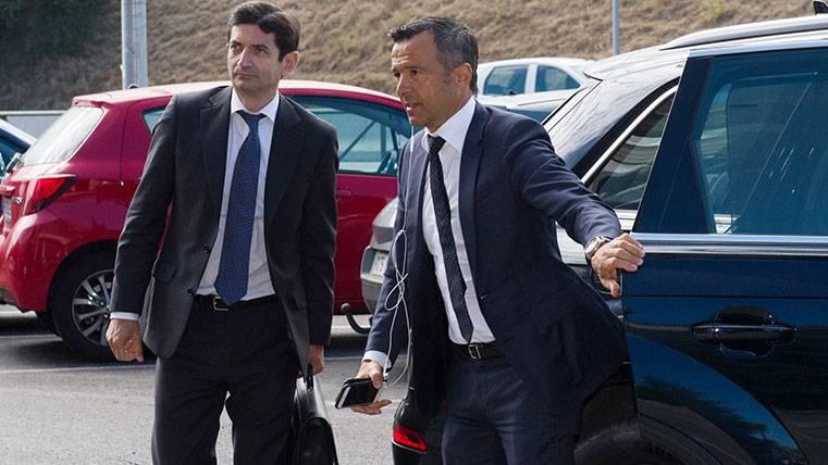 Jorge Mendes 'pasa' de los líos fiscales de los futbolistas