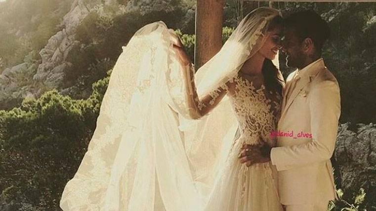 Otra sorpresa de Dani Alves, ¡se casa con Joana Sanz!