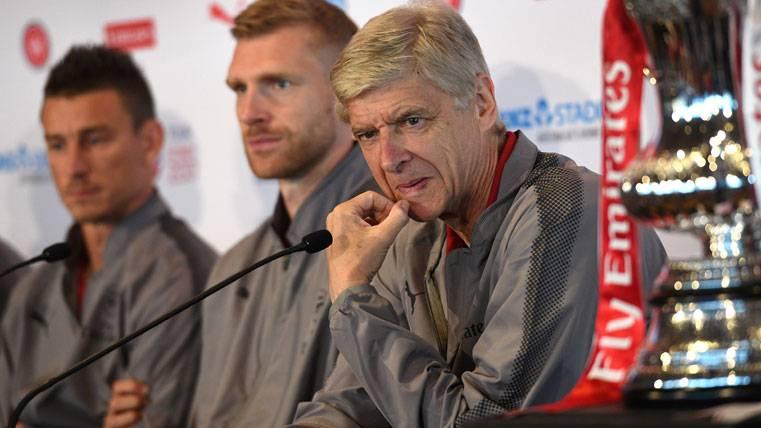 Arsene Wenger, durante una rueda de prensa desde Australia