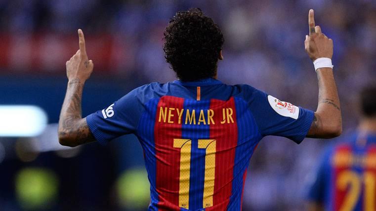 Neymar Jr, celebrando un gol anotado con el FC Barcelona