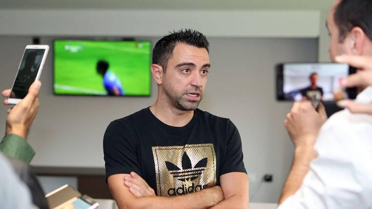 Xavi Hernández, siendo entrevistado en una imagen de archivo