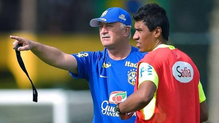 Scolari echa de un entrenamiento a Paulinho