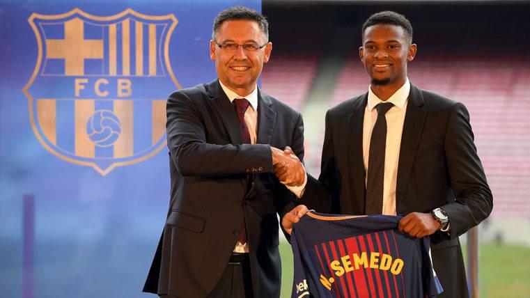 Nelson Semedo, presentado por Bartomeu en el Camp Nou
