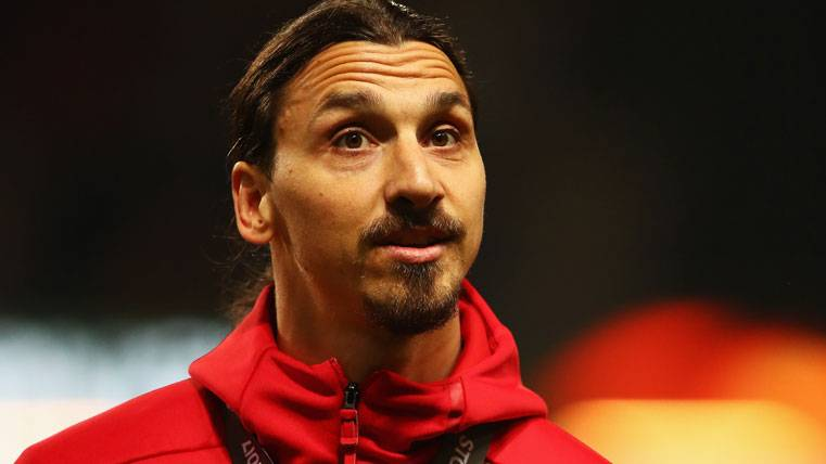 Zlatan Ibrahimovic, tras la final de la UEFA Europa League con el United