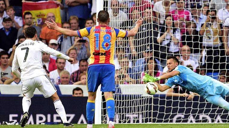 Cristiano Ronaldo, fallando un penalti contra Diego Alves