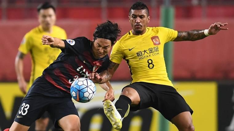 Paulinho con el Guangzhou